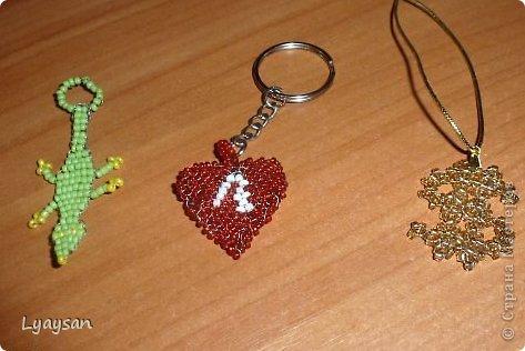 Браслеты, ожерелья и брелки из бисера фото 15