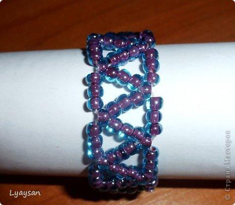 Браслеты, ожерелья и брелки из бисера фото 18