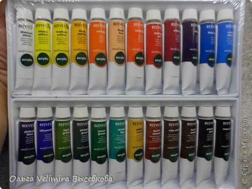 Рисунок выполнен в технике точечной росписи (point-to-point) на стекле. Подложка из плотного оргалита с креплениями для подвешивания Размер рисунка 21*29 см Выполнено акриловыми красками (производство Англия) (фото красок смотреть ниже) фото 11