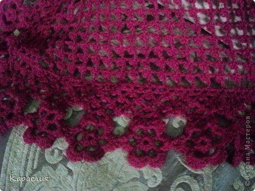 Подружка хотела вишнёвую шаль...скоро у неё день рождения..и я решила ей связать, Вот, что получилось фото 2