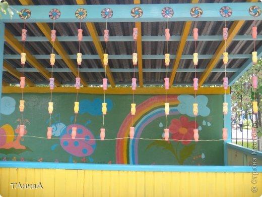 Вход обозначили плетенным заборчиком фото 16