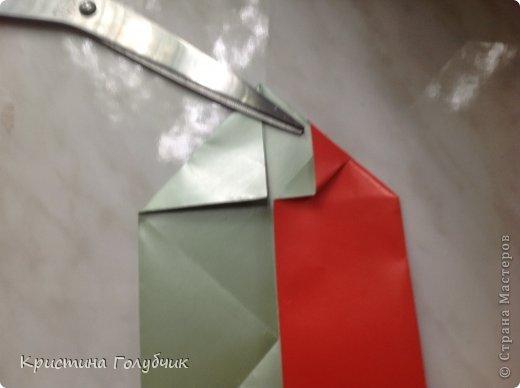Привет! Хотите сделать такое легкое украшение? Тогда вы по адресу! Источник: http://planetaorigami.ru/2011/09/simvol-in-yan-iz-bumagi-po-sxeme-sy-chen/ фото 13