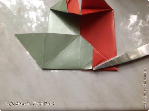 Привет! Хотите сделать такое легкое украшение? Тогда вы по адресу! Источник: http://planetaorigami.ru/2011/09/simvol-in-yan-iz-bumagi-po-sxeme-sy-chen/ фото 22