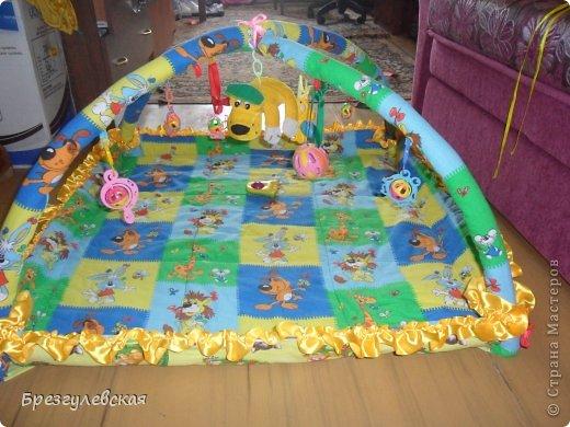 Этот коврик я сшила для своей младшей дочки. Подробный МК можно посмотреть здесь: http://www.happy-giraffe.ru/community/25/forum/post/60050/  на этом фото коврик уже готов к эксплуатации. фото 1