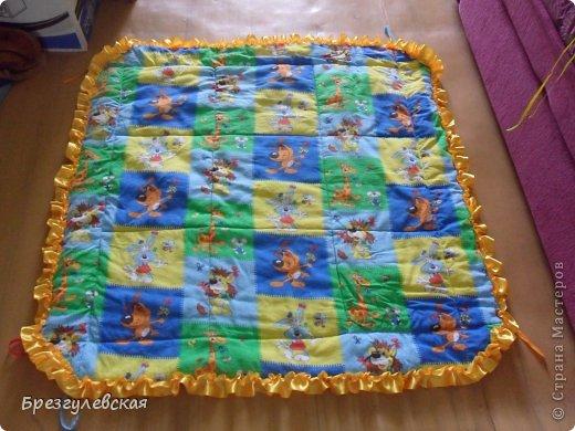 Этот коврик я сшила для своей младшей дочки. Подробный МК можно посмотреть здесь: http://www.happy-giraffe.ru/community/25/forum/post/60050/  на этом фото коврик уже готов к эксплуатации. фото 3