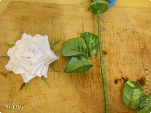 Здравствуйте!)В инете не нашла нормальный МК розы на стебле, поэтому решила сделать сама)Может в своей работе я пошла по сложному пути (если кто-то знает как легче сделать, поделитесь), но все-же))Прошу любить и жаловать!) фото 25