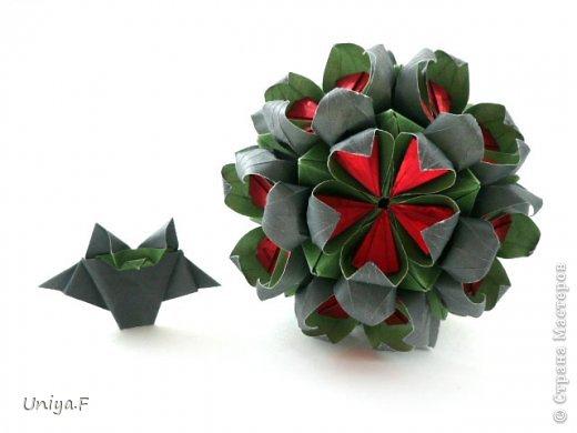 Всем большой привет!  Представляю участниц флешмоба: кусудаму от Екатерины и летучую мышку от Наташи.  Сделать Наташину кусудаму я не успеваю, так что ее с успехом заменит оригами-модель Наташиного же авторства.   Name: Passiflora curle  Designer: Ekaterina Lukasheva  Units: 30 ( www.kusudama.me/#/Passiflora/Passiflora-curly ) + 30 insert ( https://stranamasterov.ru/node/373744 )  Paper: 7*7 sm   Final height: 9 sm  Joint: glue  Bat by Natalia Romanenko http://kusudama.info/2012/10/halloween/  Модуль я слегка переделала, вывернула вершинки. Это дало 2 возможности собрать без клея. Но один способ крепления не подходил из-за того, что я планировала широко раскрыть лепестки. А второй не прошел из-за упрямства моего крафта. Небольшие уголки все время выскакивали. В итоге все равно клей. фото 7