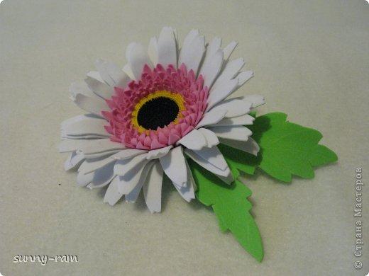 Роза из фоамирана, покрашена акриловыми красками фото 3