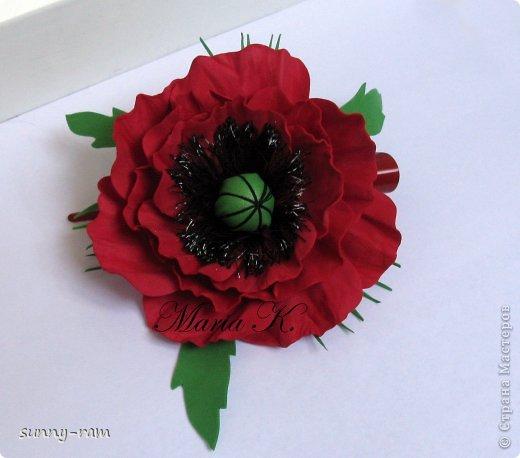 Роза из фоамирана, покрашена акриловыми красками фото 2