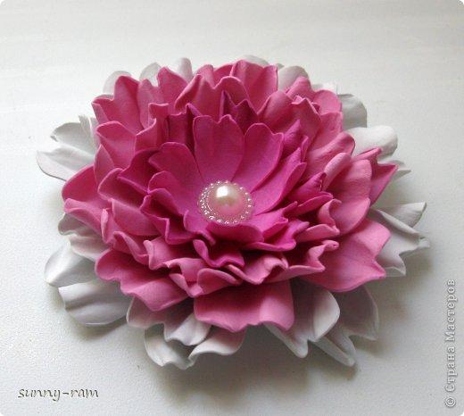 Роза из фоамирана, покрашена акриловыми красками фото 4