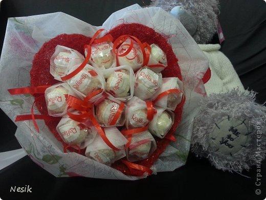 Хочу с Вами поделиться своими сладкими букетиками. Вот самый-самый первый....конфетки в сундучке) фото 2