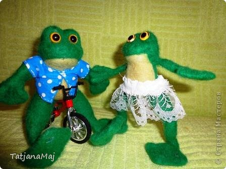 Ква-кая погода , такие и игрушки ! Всем здравствуйте ! знакомьтесь - лягушонок Квалентин ! Ему такая погода как у нас этим  летом очеень нравится ! фото 3