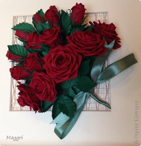 Вот такой букетик родился. Розы делала по МК Астории http://astoriaflowers.blogspot.ru/ Очень увлекательное занятие. фото 2
