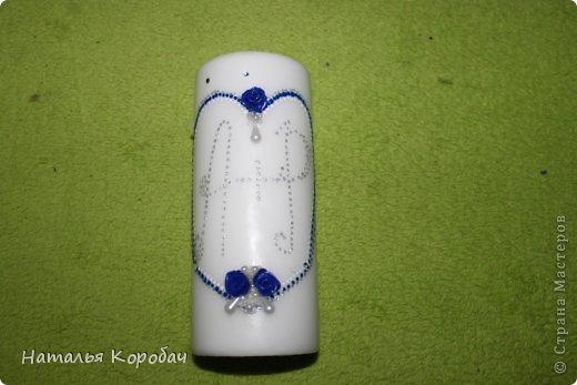Представляю Вам на обозрение набор, который я сделала по заказу сестры ...Дизайн выбран по ее желанию, с некоторыми моими поправками)) Состав - две бутылки, два бокала и свеча для семейного очага. фото 8