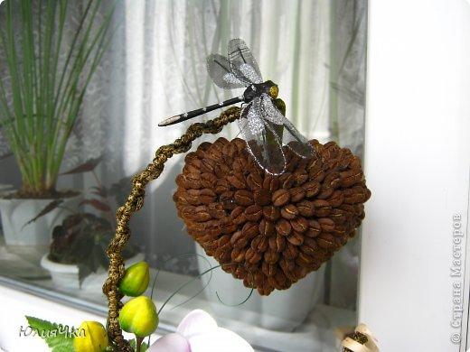 Немного перемудрила.С орхидеями трудно совмещать листочки и другие цветы. фото 2