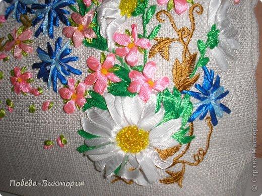 """Добрый день, дорогие мастерицы! Богата наша щедрая украинская земля полевыми цветами! Так и хочется их где-то запечатлеть: в картинах, в вышивке блузок, сумок. Поэтому, продолжение """"сумкомании""""...  Закончила очередную летнюю сумку, которую подарю хорошей приятельнице! фото 3"""