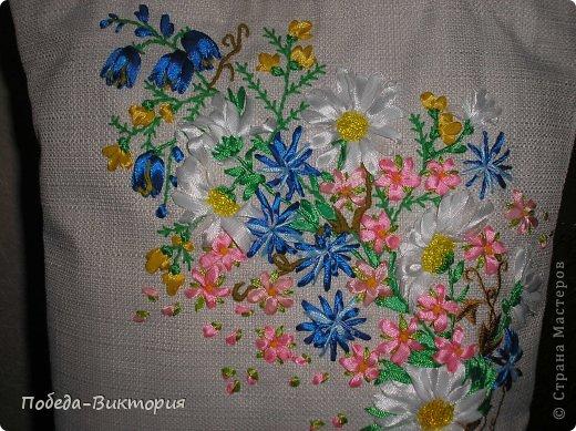 """Добрый день, дорогие мастерицы! Богата наша щедрая украинская земля полевыми цветами! Так и хочется их где-то запечатлеть: в картинах, в вышивке блузок, сумок. Поэтому, продолжение """"сумкомании""""...  Закончила очередную летнюю сумку, которую подарю хорошей приятельнице! фото 1"""