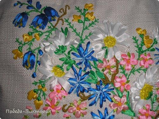 """Добрый день, дорогие мастерицы! Богата наша щедрая украинская земля полевыми цветами! Так и хочется их где-то запечатлеть: в картинах, в вышивке блузок, сумок. Поэтому, продолжение """"сумкомании""""...  Закончила очередную летнюю сумку, которую подарю хорошей приятельнице! фото 4"""