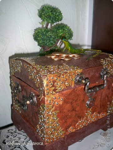 Дорогие мастерицы  берите для поделок сундуков,шкатулок плотный гофрокартон это коробки от импортных производителей  ( телевизоры ,конфеты ,электронная техника и т.д. фото 37
