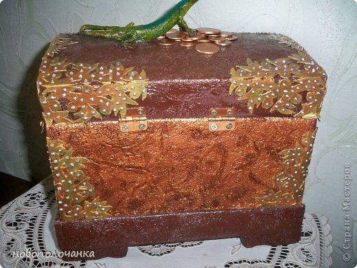 Дорогие мастерицы  берите для поделок сундуков,шкатулок плотный гофрокартон это коробки от импортных производителей  ( телевизоры ,конфеты ,электронная техника и т.д. фото 36