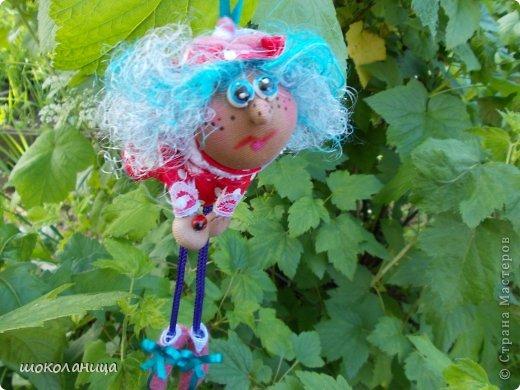 Увидела,ведьмочек из киндера-попиков,очень понравилась идея  .Сделала разных ,каждая со своим характером!К сожалению села батарейка,но очень хотелось ,вынести на ваш суд,завтра щелкну ,каждую! фото 2