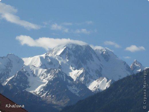 """Доброго времени суток, уважаемые жители и гости СМ! Хочу показать Вам наши снежные горы - Заилийский Алатау, северный склон Тянь-Шаня. Мы эту вершину называем """"Мексиканская шляпа"""". Правда похожа? И это все нам видно с нашего окна. Наши горы - наша гордость! фото 6"""