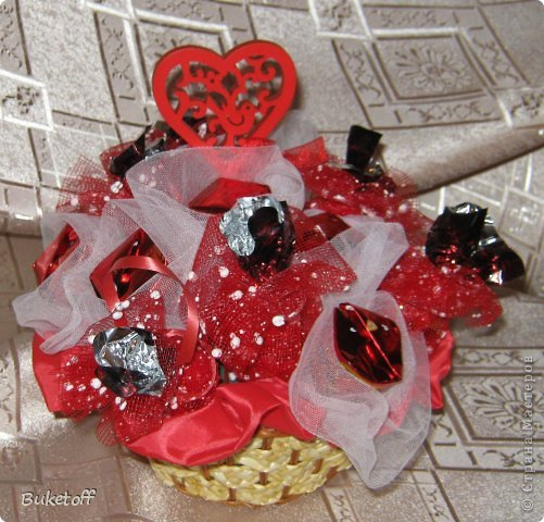 """""""Мишка для подружки"""" Конфеты осенний вальс 150 грамм, гофрированная бумага, слюда упаковочная, сетка для оформления.  фото 7"""