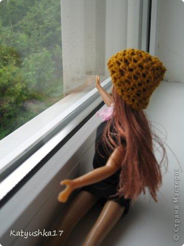 Перед самой фотосессией пошел дождь... Но мы не раскисая пошли фоткаться возле окна...Сейчас все мысли пойдут от имени Анжелики. За окном пошел дождь и мы не пошли на улицу хотя я очень хотела, но ничего страшного сейчас дождь пройдет и может пойдем на улицу... фото 2