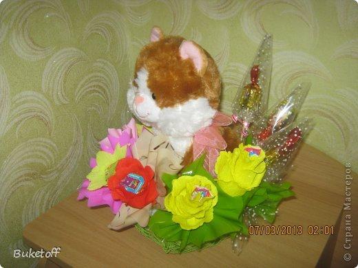 """""""Мишка для подружки"""" Конфеты осенний вальс 150 грамм, гофрированная бумага, слюда упаковочная, сетка для оформления.  фото 22"""