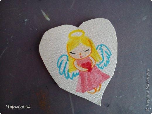 Привет всем ещё раз!Спейчас я хочу вам показать как можносделать такую открытку.Смотря какой рисунок её можно подарить на 8 марта, Валентинов День, можно на День поцелуев(который скоро будет), можно на День Матери, на День Рождения и т.п. фото 33