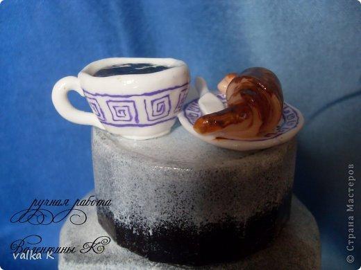Ну вот получилось как то так. Подарок подруге на день рождения,любительницы кофе Идею сделать кафе на баночке с кофе взяла у ЛюдмилаДем  https://stranamasterov.ru/node/373578?c=favorite Подставка сделана из гипса  фото 10
