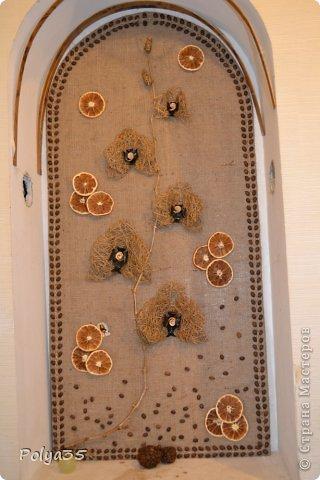 Доброго времени суток! Сделала вот такую ветку орхидеи. МК цветов здесь https://stranamasterov.ru/node/529254. Стебель - проволока обмотанная салфетками. Листья - фактурные обои, крашенные кофе растворимый +ПВА. Кора настоящая, сверху салфетки на ПВА (укрепила). Размер коры 72 см.  фото 7