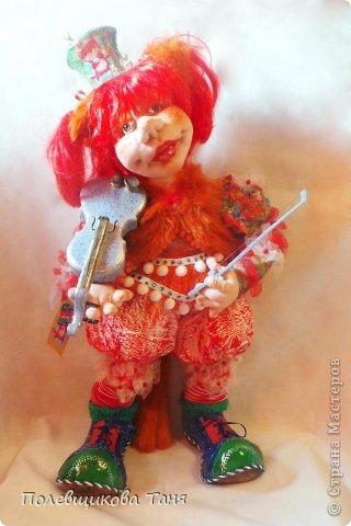 """""""За печкой трещит возмущенно сверчок. Зачем этой кошке Вы дали смычок? Рыжая кошка и старая скрипка: Какая, простите, большая ошибка!"""" фото 1"""