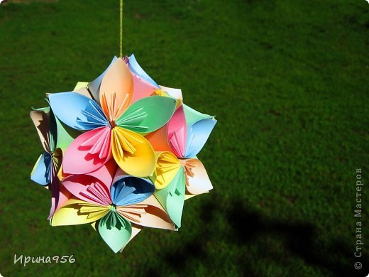 Автор: Mio Tsugawa. Схема здесь: http://www.business-lady.com/ideya_narod_150.php 60 квадратных модулей 8,5 х 8,5 см. Размер - около 11 см.  фото 2