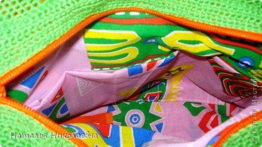 Мне принесли маленькие клубочки ниточек 4 цветов и попросили связать летнюю сумку фото 4