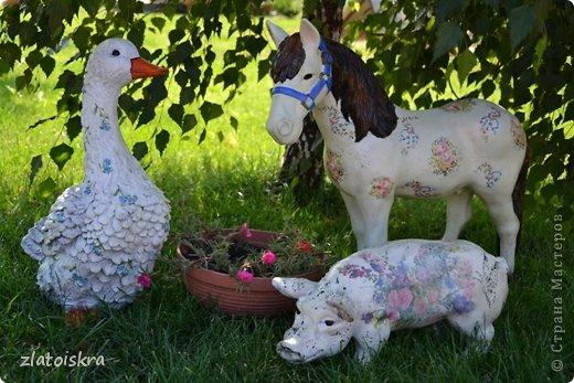 Здравствуйте, дорогие жители СМ! Решила обновить фигурки животных, стоящие у нас во дворе - они немного выгорели и потеряли вид. Вот такие они сейчас. фото 1