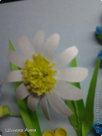 картина делалась на конкурс весны. идея не моя а прекрасной мастерицы Ольги Ольшак. все цветы держатся на клею и проволке.  я не копировала полностью работу, мне захотелось чего-то добавить своего. работа заняла 1 место и понравилась всем. но было одно но...  мне сказали что цветы сорваны, а смысл должен оберегать весенние цветы. мне предложили в место вазы сделать руки, но я отказалась, ведь это портит весь букет... решила сама себе я)))     фото 4