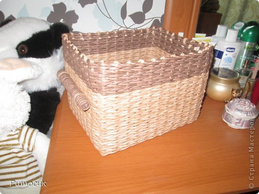 Вот такая вот коробочка вышла у меня. Размерчики 23 х 18 см. Трубочки крашены как всегда водной морилкой, цвета - мореный дуб и темный дуб.  фото 6
