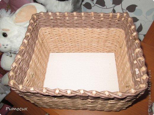 Вот такая вот коробочка вышла у меня. Размерчики 23 х 18 см. Трубочки крашены как всегда водной морилкой, цвета - мореный дуб и темный дуб.  фото 5