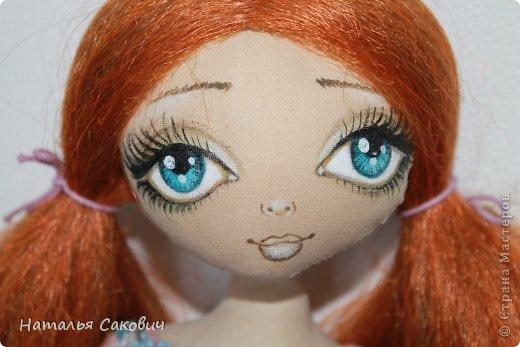 Девочки, зимой я активно шила куколок, хочу вам показать их. Это еще не вся их часть. Ростиком куколки 41 см, сшиты из бязи и тонированны кофем. Роспись лица акриловыми красками и пастель. Волосы у некоторых овечья шерсть, которую я сама мыла и красила , а у других искуственные волосы.   фото 2