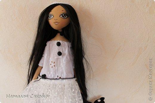 Девочки, зимой я активно шила куколок, хочу вам показать их. Это еще не вся их часть. Ростиком куколки 41 см, сшиты из бязи и тонированны кофем. Роспись лица акриловыми красками и пастель. Волосы у некоторых овечья шерсть, которую я сама мыла и красила , а у других искуственные волосы.   фото 11