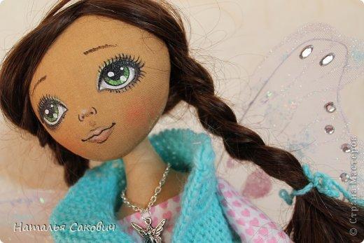 Девочки, зимой я активно шила куколок, хочу вам показать их. Это еще не вся их часть. Ростиком куколки 41 см, сшиты из бязи и тонированны кофем. Роспись лица акриловыми красками и пастель. Волосы у некоторых овечья шерсть, которую я сама мыла и красила , а у других искуственные волосы.   фото 26