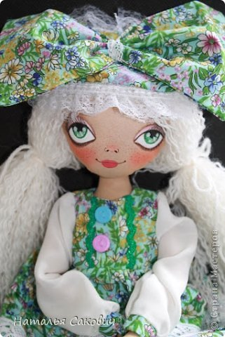 Девочки, зимой я активно шила куколок, хочу вам показать их. Это еще не вся их часть. Ростиком куколки 41 см, сшиты из бязи и тонированны кофем. Роспись лица акриловыми красками и пастель. Волосы у некоторых овечья шерсть, которую я сама мыла и красила , а у других искуственные волосы.   фото 33