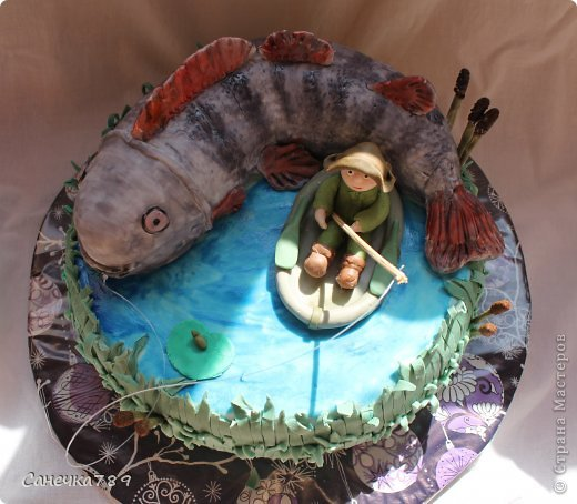 Рыбак на озере. Мастика покупная и из маршмеллоу. Краски пищевые фото 3