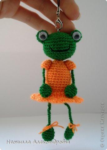 Лягушечка в платьишке) ростом 11,5 см. Брелочек фото 2