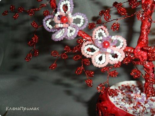 У подруги скоро свадьба ,нужен был подарок. Увидела деревце из бисера у  Аленки29 (https://stranamasterov.ru/node/172917?c=favorite),решила сделать что-то похожее! Спасибо Аленке за идею! фото 2