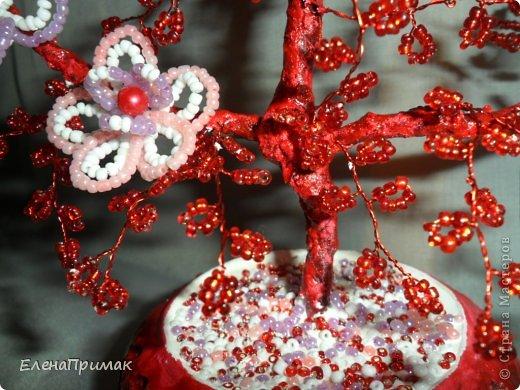 У подруги скоро свадьба ,нужен был подарок. Увидела деревце из бисера у  Аленки29 (https://stranamasterov.ru/node/172917?c=favorite),решила сделать что-то похожее! Спасибо Аленке за идею! фото 3