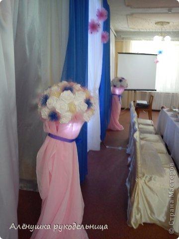цветовая гамма и бабочки-заказ невесты.было интересно работать с этим заказом.и молодожёны очень красивые и букет невесты стильный.желаю этой замечательной паре жить в согласии и любви! фото 2