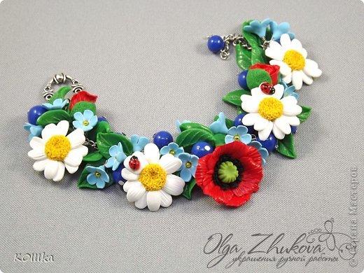 Цветы из полимерной глины в украшениях фото 10
