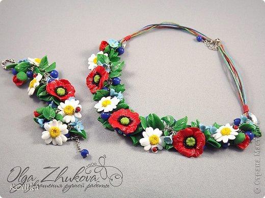 Цветы из полимерной глины в украшениях фото 9